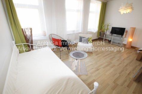 AnKaSa Immobilien GmbH AnKaSa Immobilien*Einladende 2 Zimmer*1.OG*Bad+Dusche*EBK+Stellplatz mgl.*mit Gartennutzung*sofort*, 06686 Lützen, Etagenwohnung
